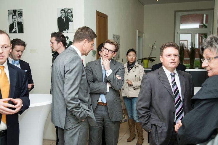 Dr. Julius Reiter u.a. bei der Veranstaltung mit Christian Lindner in der Kanzlei baum Reiter & Collegen am 25.04.2012