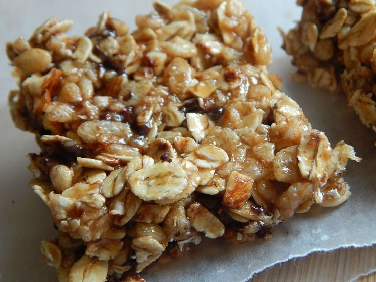 Peanut butter chocolate rice krispie granola treats by drizzle me skinny