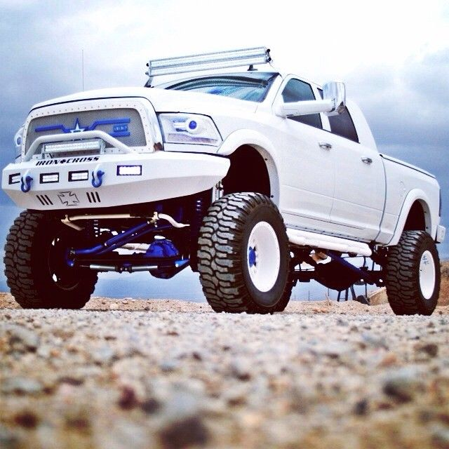 Lifted Cummins For Sale >> wow that is a nice truck. that white really looks good and im not a fan of white | Diesel trucks ...