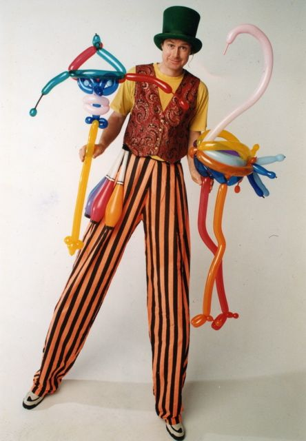 Tall man fun with high output deluxe balloon sculpture, coming soon to an event near you.  Photo:  Eric J. Robertson
