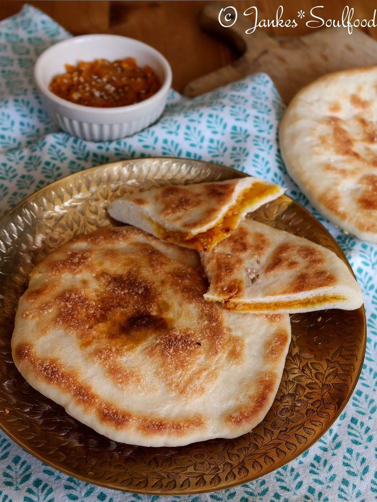 Naan-Brot mit orientalischem Pesto