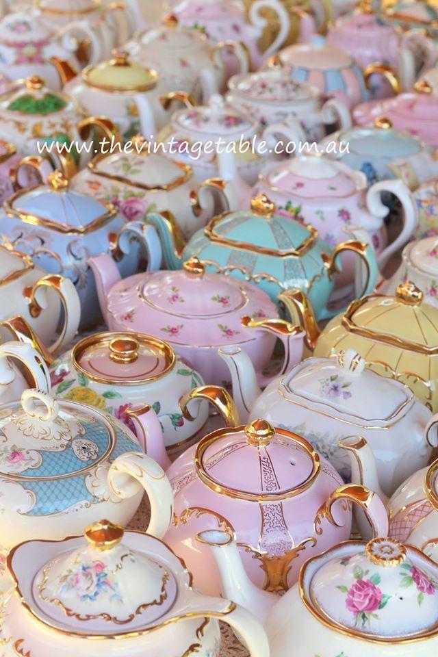 Beautiful Teapots! I want them all!!!