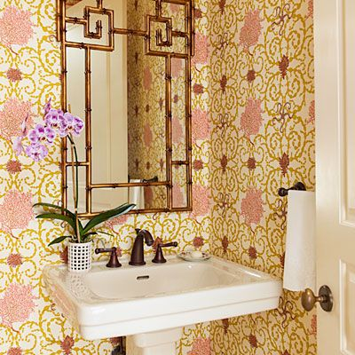 7 Make A Big Statement In A Small Space Southern Living Ashley Whittaker Sea Scroll Kelp Wallpaper By Raoul Textiles