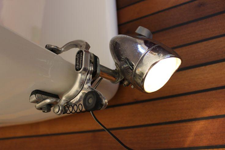 Eigenbau Lampe zum anklemmen aus Veloteilen. DIY lamp upcycled bike parts                                                                                                                                                                                 Mehr