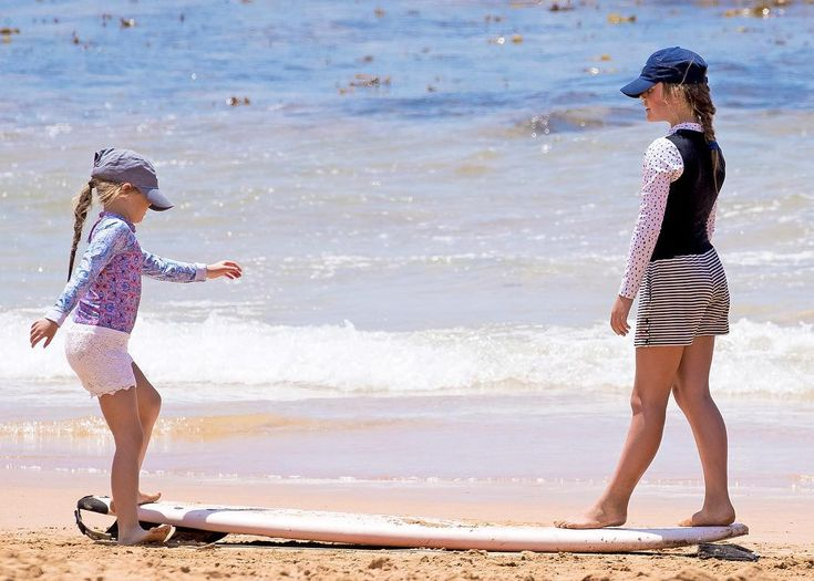 f The Danish royal family enjoy Christmas holidays in Australia this year. December 2017.
