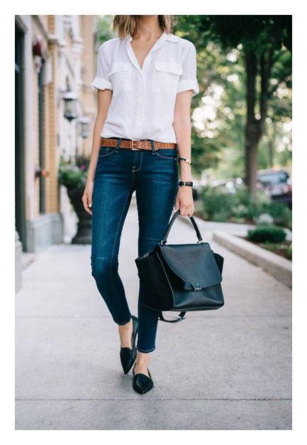 Акценты в образе: сумка и туфли заостренной формы с джинсами и белой рубашкой