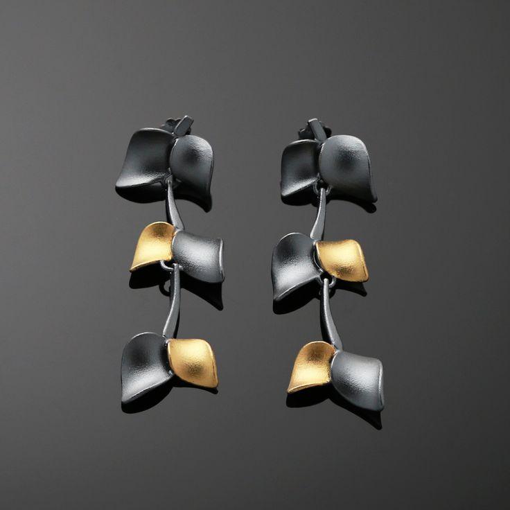 Nuppu mid earrings/ black edition   Chao & Eero shop #nuppu #chaoandeero #finnishdesign #finnishjewelry #keumboo