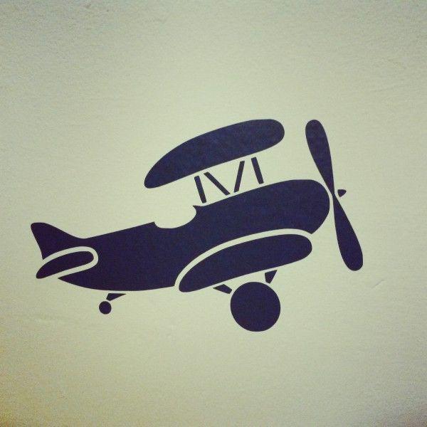 Muursticker vliegtuig, leuk voor vliegtuigkamers | Design by LemonandPear.nl