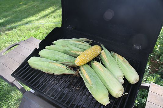How to Roast Sweet Corn on the Grill