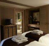 Enjoy a luxury break in a beautiful woodland Treehouse   Center Parcs