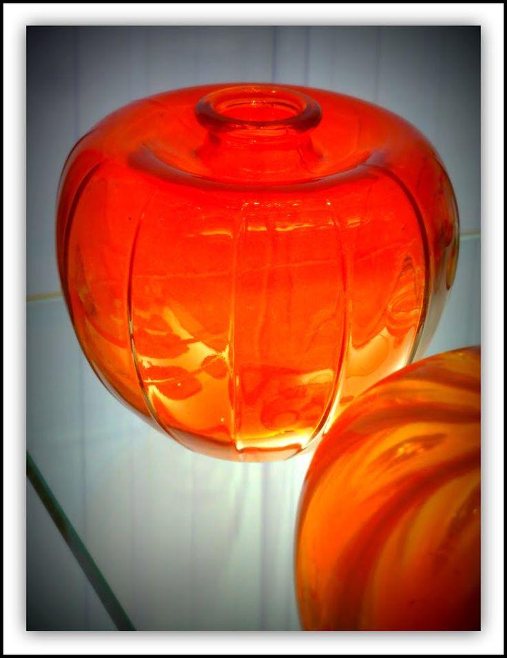 Orange glass 'bevrijdings' vase, design A.D. Copier 1945. Museum of Glass, Leerdam.