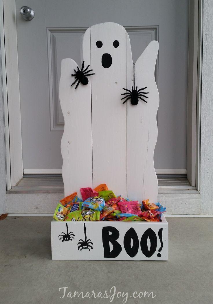 DIY Ghost Halloween Treat Holders. Easy beginner build. http://Tamarasjoy.com