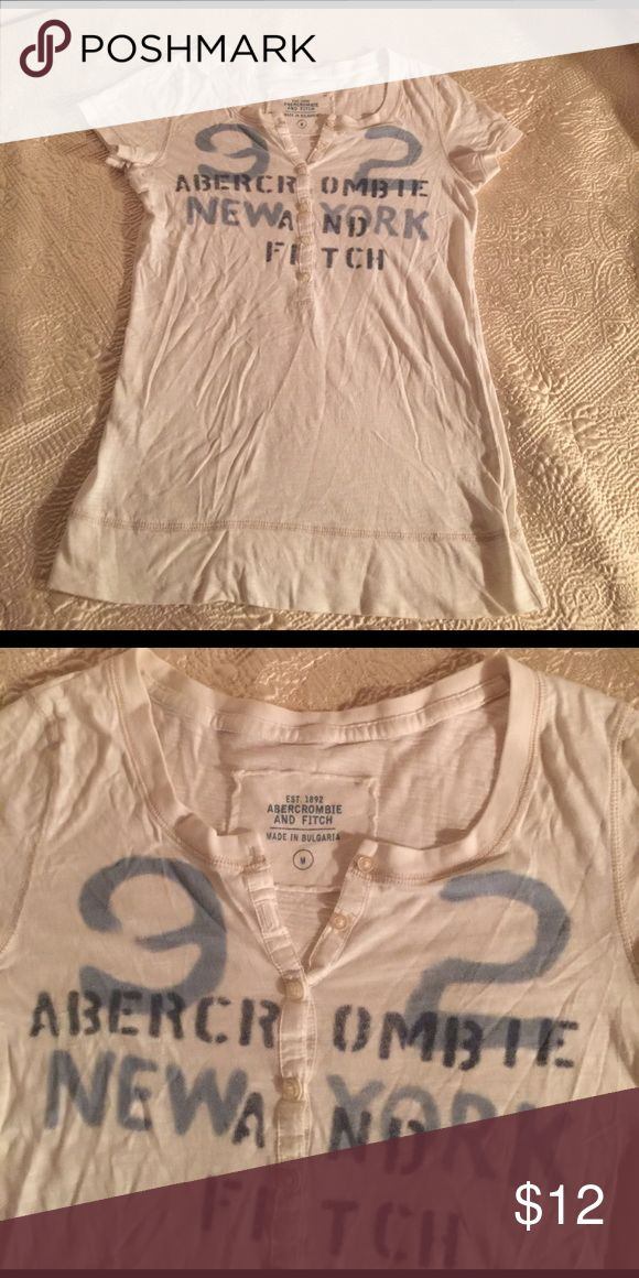 Abercrombie and fitch tshirt Super nice fit Abercrombie & Fitch Tops Tees - Short Sleeve