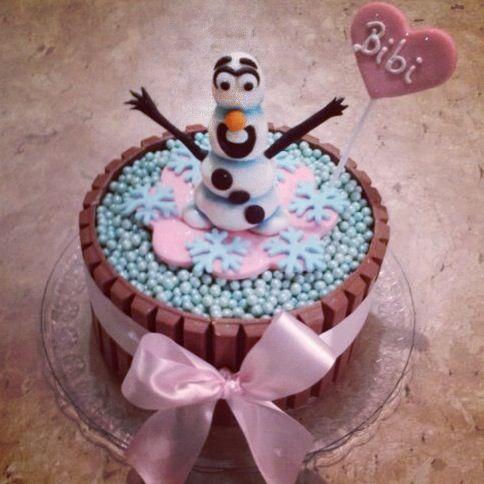 27 best Cupkay Kit Kat Cakes images on Pinterest Kit kat cakes