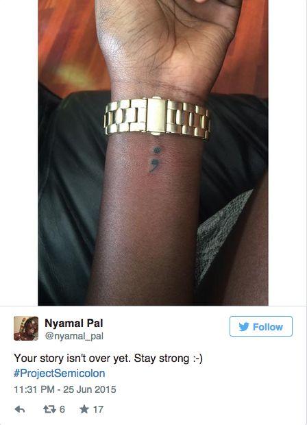 Descubre por qué todo el mundo está tatuándose un punto y coma en la muñeca