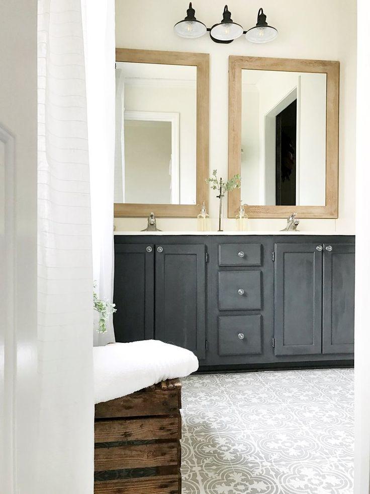Exclusive plum bathroom decor