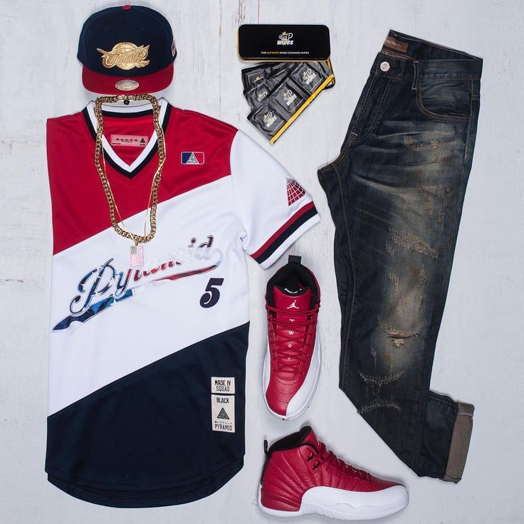 """BBQ Fit #jjgotem Hat: #MitchellandNess Shirt: #BlackPyramid Jeans: #CryspDenim Kicks: #Jordan """"Gym Reds"""" (drops 7/2 @ 10am ET) _____________________________________________________ #Outfitgrid #summertime #outfitoftheday #OOTD #hats #snapbak #AirJordan #Jordan12s #GymReds #crepprotect #crepprotectwipes"""