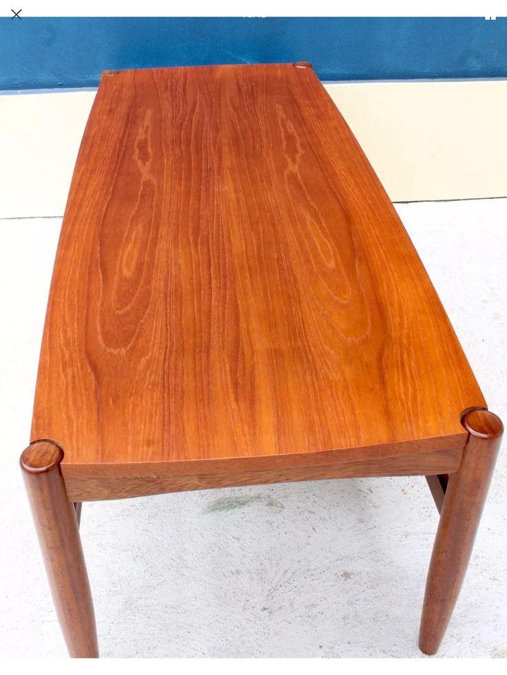 Danish Deluxe flip flop coffee table