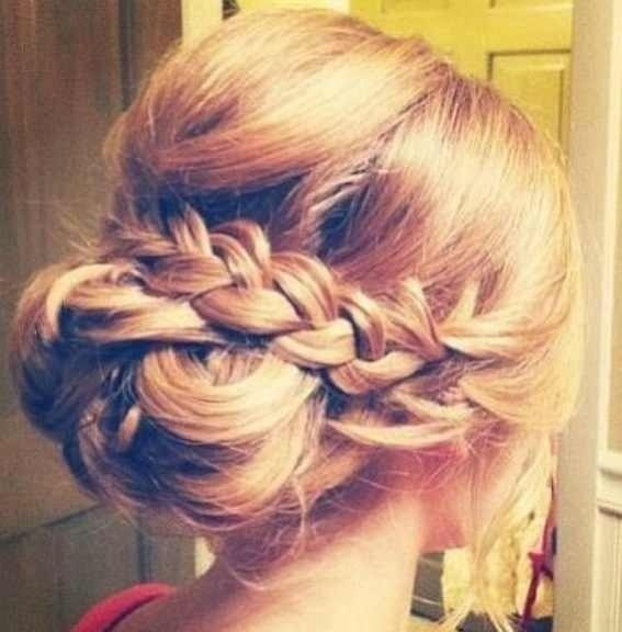 Loose Bun With Braid Maid Of Honor Pinterest Loose