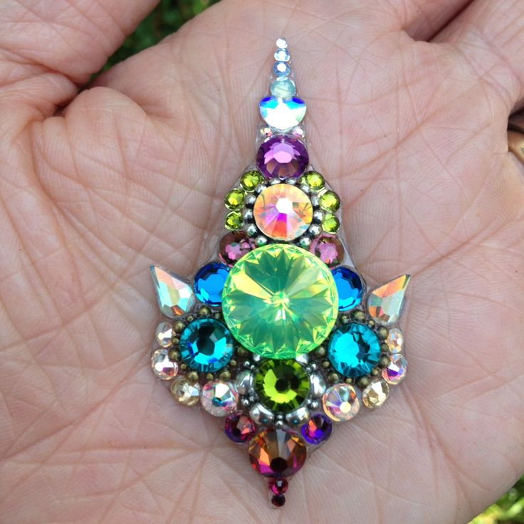 Super bindi! Made by Molly Kuhl of Kuhl Jewels Bindis