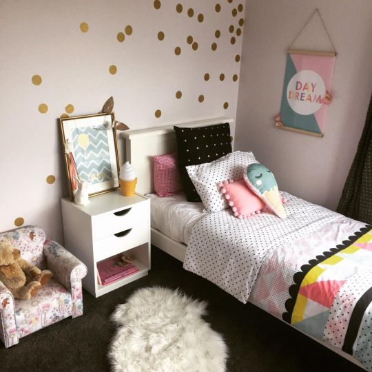 Decorating a kids' room doesn't mean you have to scrimp on style. In fact, it opens up a whole new world of exciting design possibilities, even for small spaces. It's the perfect excuse to be as bold, brave or magical as you want. Here is #IDIstudent Sacha Morrison @stylebydesignnz latest bedroom makeover for her adorable daughter! More on: www.instagram.com/stylebydesignnz
