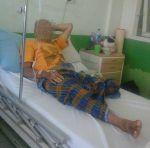 Gagal ginjal kepala keluarga siswa Hafiz Al Quran ini butuh bantuan  PAYAKUMBUNH (Arrahmah.com)  Sejak Oktober 2016 Jono (52th) tidak dapat beraktifitas seperti biasa dari hasil cek laboratorium diketahui Jono mengalami gagal ginjal. Sempat terjadi pembengkakan dari kaki hingga perut lalu dirujuk ke RS M. Djamil dan dilakukan tindakan cuci darah. Sampai sekarang masih rutin menjalani cuci darah di RS. Ahmad Mohtar Bukittinggi 2 kali dalam seminggu.  Rutinitas Jono setiap harinya adalah…