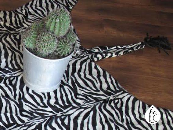 les 25 meilleures id es de la cat gorie tapis zebre sur pinterest. Black Bedroom Furniture Sets. Home Design Ideas