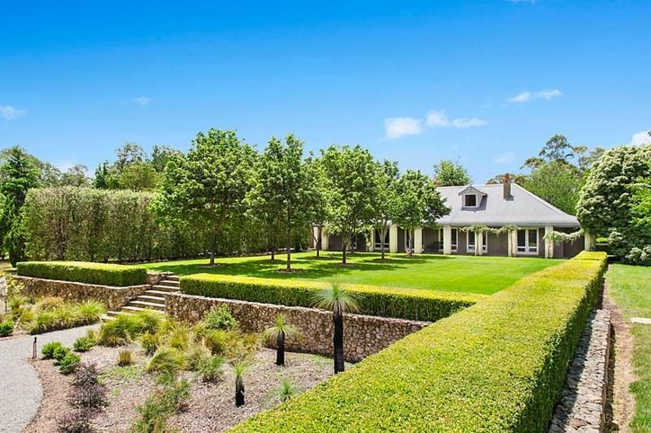 A house of grey and white. This is the estate of Peter Holmes a Court, in Mittagong in the gorgeous Southern Highlands ...