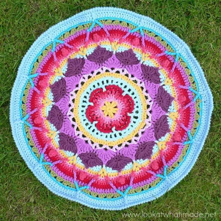 Sophie's Mandala - Part 3 {Large} - Look At What I Made (free pattern)