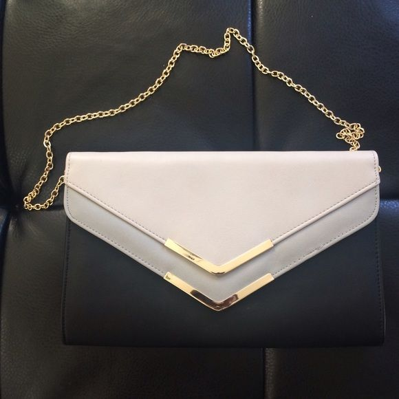 Stylish Aldo Clutch Excellent looking Aldo Clutch ( has not been used) ALDO Bags Clutches & Wristlets