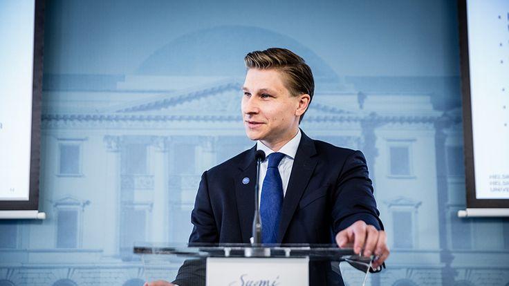 Oikeusministeri Häkkänen esittää perustuslain muutosta säädettäväksi kiireellisenä – Syynä uusi tiedustelulaki