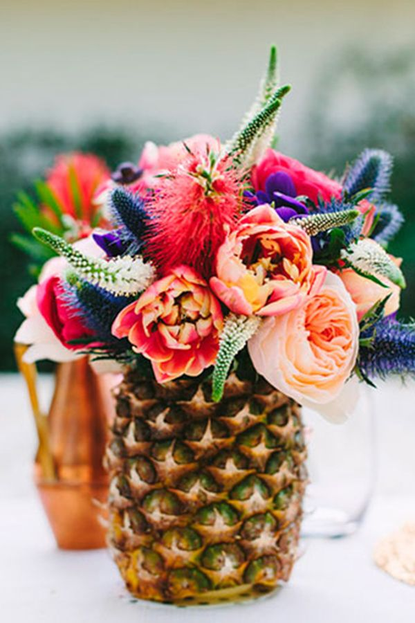 Why you should choose colorful wedding flowers