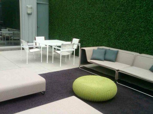 Sichtschutz für Terrasse – lebendige grüne Wand schützt Ihre Privatsphäre -