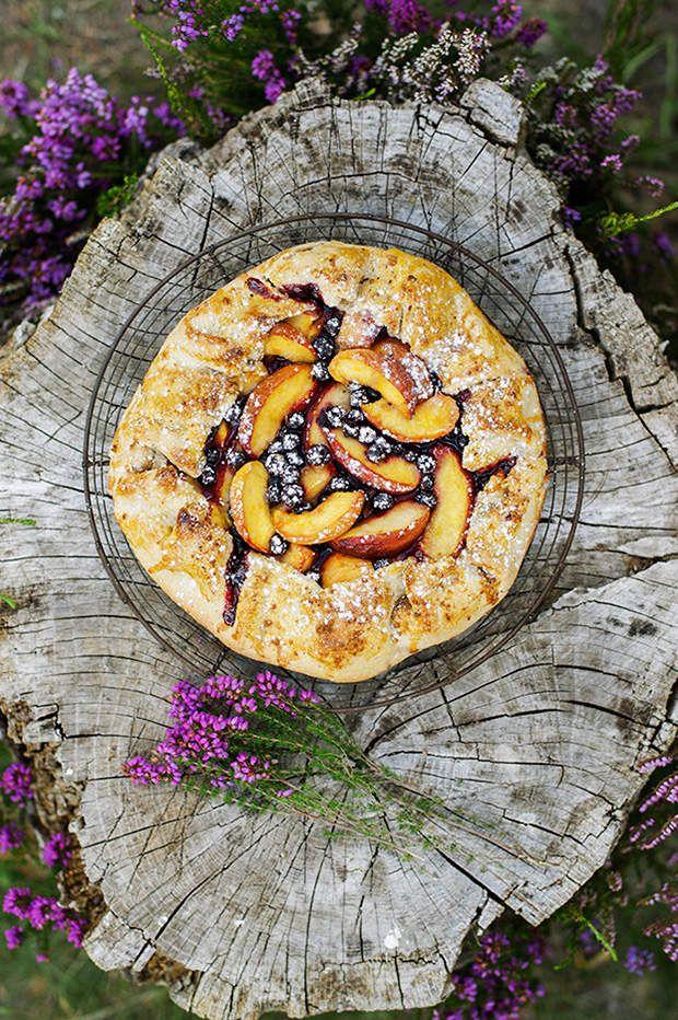 Tarte rustique aux nectarines et myrtilles - recette facile
