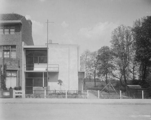 Schroderhuis, Utrecht (1924)   Gerrit Rietveld