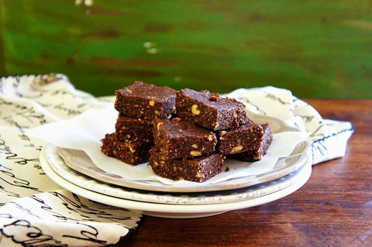 These are gluten-free Chocolate, Almond, And Walnuts Energy Bars ...