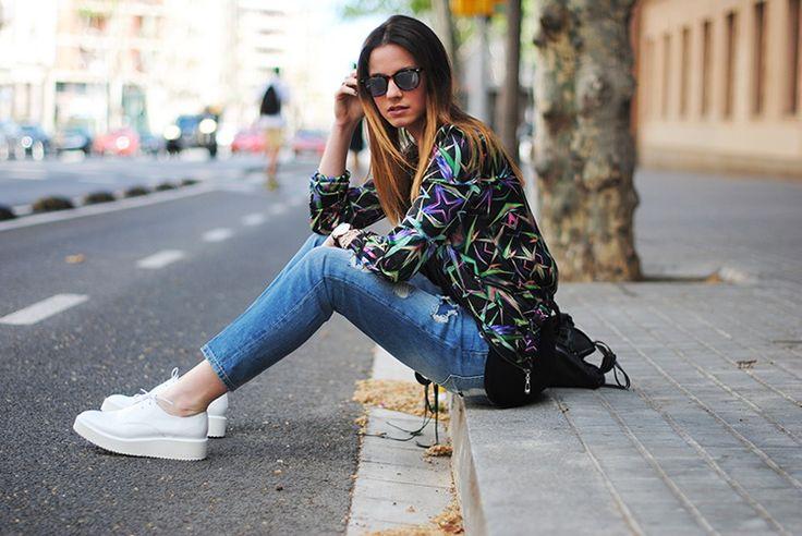 Para as mais fashionistas e para as mulheres que gostam de conforto, os Tênis com plataforma é a peça que faltava no seu guarda-roupa! Alguns são com...