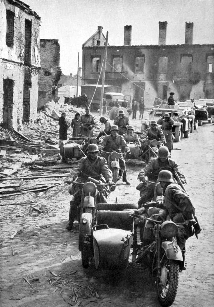 the invasion of german military that started the world war ii The western allied invasion of germany was coordinated by the western allies during  german army group b surrounded  the us army campaigns of world war ii.