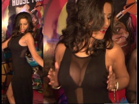 Poonam Pandey shows some DIRTY NAUGHTY dance moves.