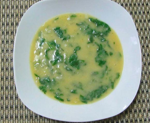 Sopa de grão de bico com espinafre