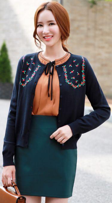 StyleOnme_Rose Embroidered Cardigan #navy #cardigan #rose #koreanfashion #kstyle #kfashion #dailylook #falltrend #seoul