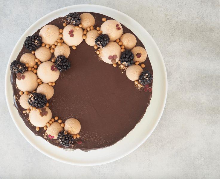 Chokolademoussekage med blåbærkaramel og brombærsylt // Glutenfri - Ditte Julie Jensen