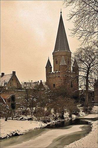 Drogenapstoren built in 1444-1446, was a part of the town wall of Zutphen in the Netherland