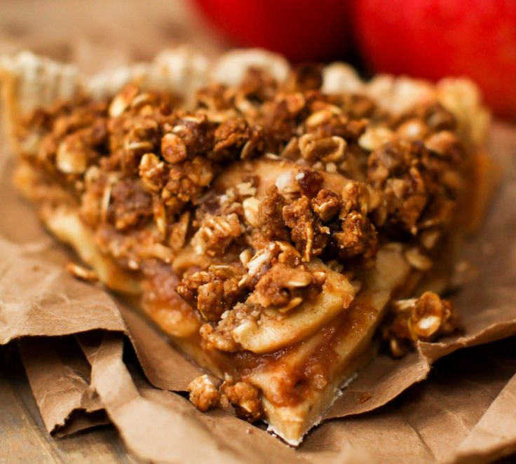 Caramel Apple Crumble Pie from Feasting on Fruit – The Vegan Junction