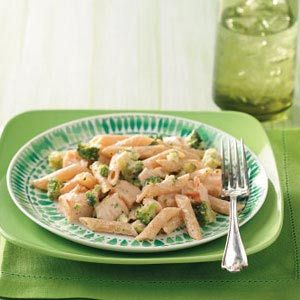 Broccoli Chicken Alfredo. Quick & simple way to get my kids eating a green veg.