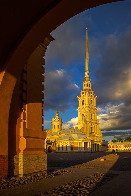 Saint-Petersburg, photo by Sergey Bogomyako