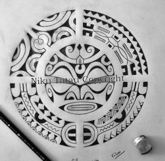 Tatouage de Symbole Ronde Polynésien Tiki compris et files de Motifs Marquisiens