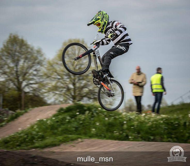 Tbt from Prag!  #Repost @mulle_msn Tak til smilebitch for det super fede billede#dwbtoftshit #bmxlife #rimeligsej #straightoutofjail #flyinghigh #bmxrace #roskildebmx -///- #bmxracing #bmx