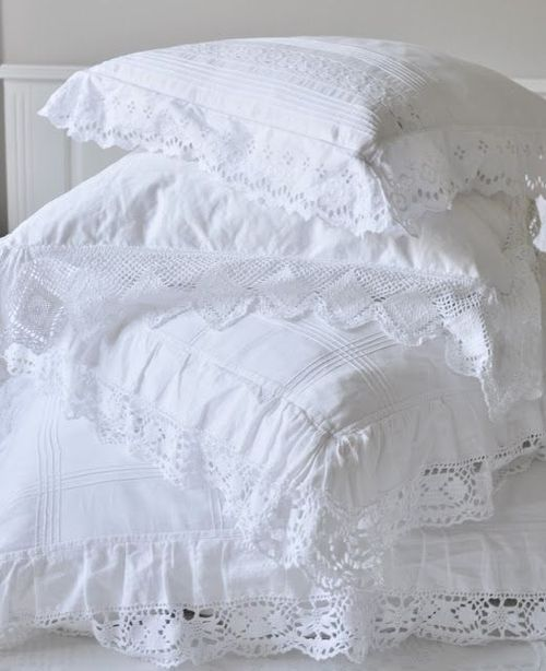 white lace pillows