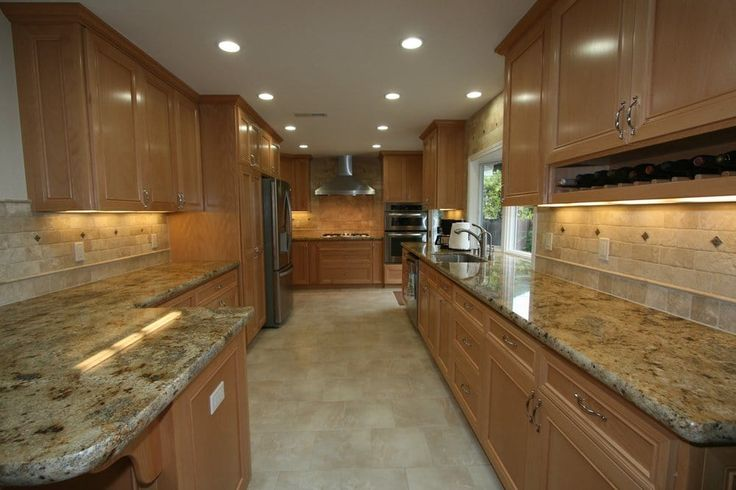pictures of kitchen tile backsplash 17 best ideas about travertine backsplash on 7470